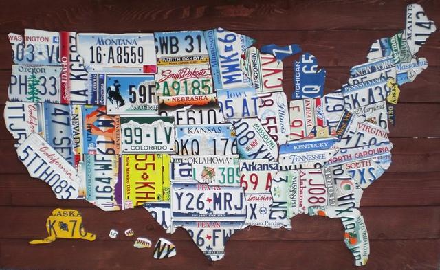Mapa USA złożona z tablic rejestracyjnych
