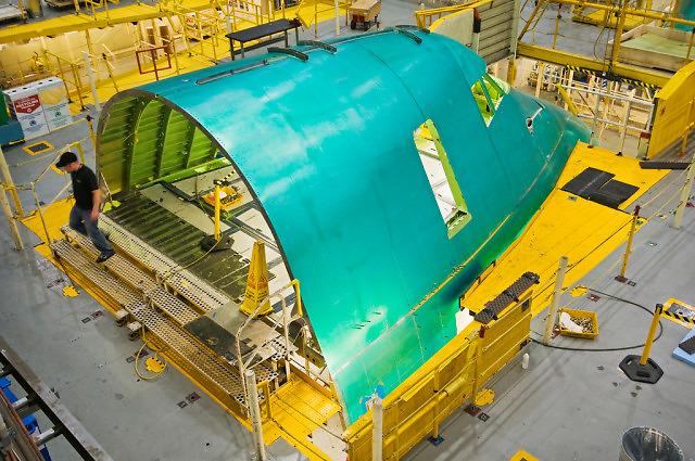 Nos Boienga 747 podczas montażu w fabryce w Everett