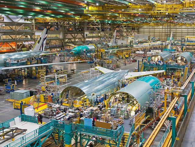 Linia montażowa Boiengów 777 w fabryce w Everett