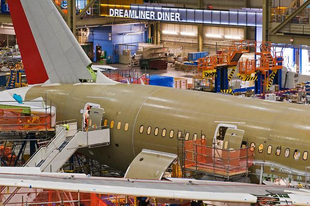 """Dreamliner Diner"" w fabryce Boeinga w Everett"